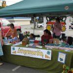 4-H entrepreneurs selling handmade items