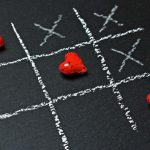 tic-tac-toe game with Xs and hearts