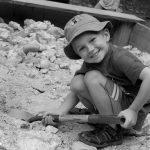 4-Her digging