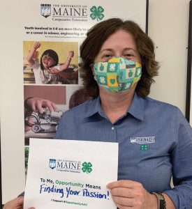 Hannah Carter supporting 4-H