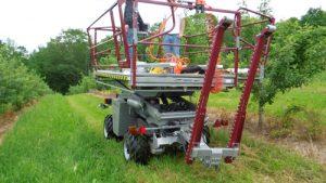 ORSI Picking Platform in orchard