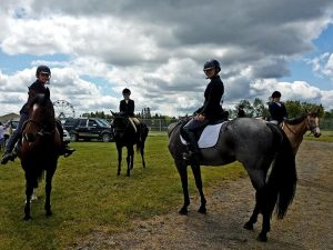 4-H horse show and riders