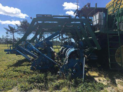 Large harvesting equipment