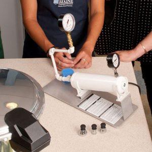 testing a pressure gauge