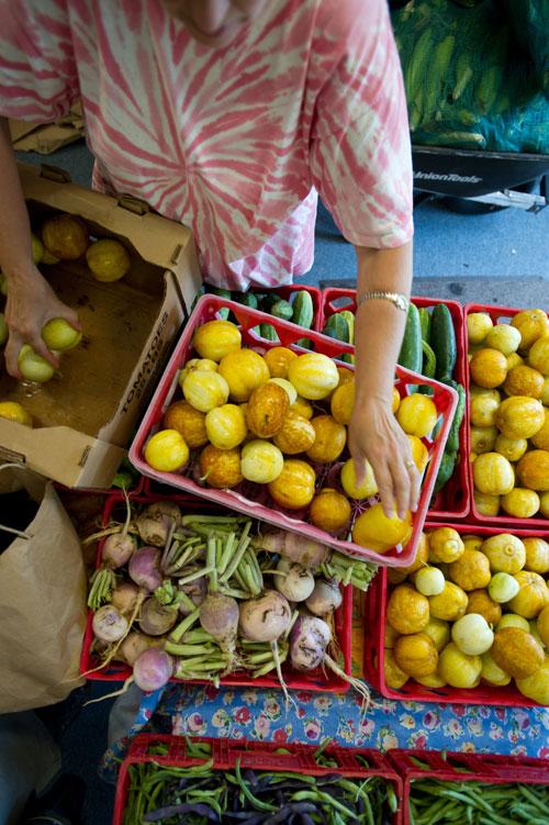 volunteer with fresh produce